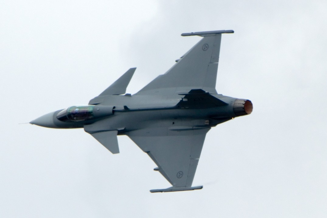 Saab-JAS-39_at_ILA_2010_05.jpg